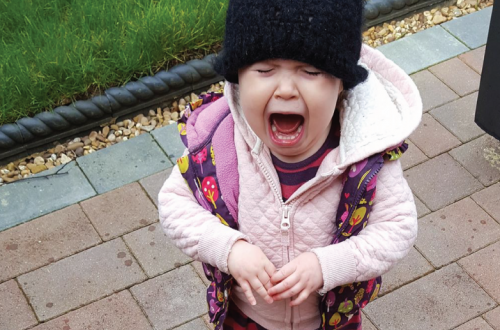 It can be difficult for a mum when a child cries in public